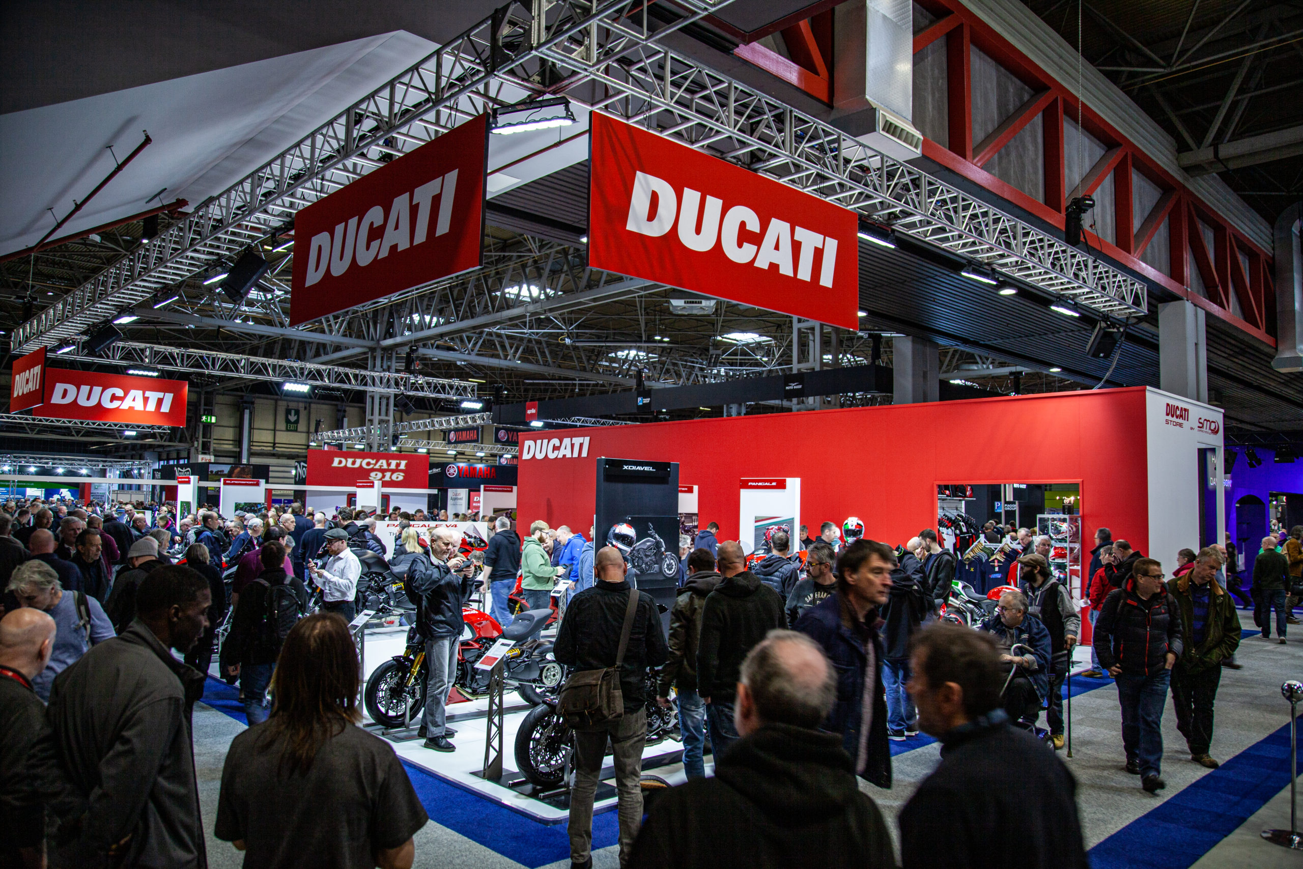 motorcycle live 2019 ducati display 1